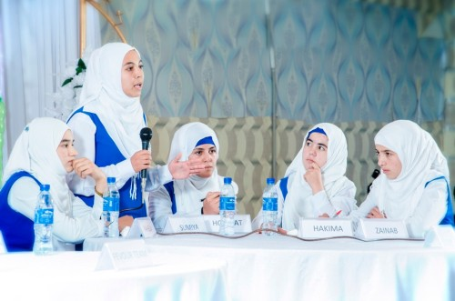 Debate competition improves self-confidence for girls in Afghanistan